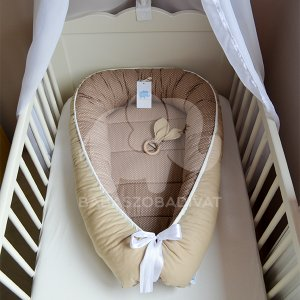 Bézs-bézs fehér babafészek, újszülött méret