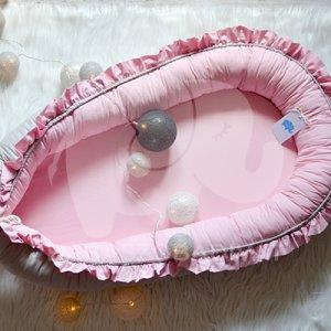 """""""Fodros álom"""" XL-es babafészek, rózsaszín-szürke"""